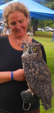 lindsay-with-great-horned-owl